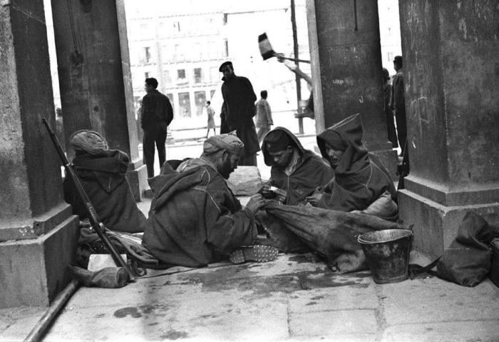 جنود مغاربة مشاركين في الحرب الاهلية خلال دخول قوات فرانكو للعاصمة الاسبانية