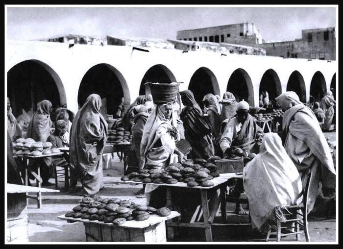 سوق الخبزة .. ( حاليا ميدان الشهداء ) .. طرابلس