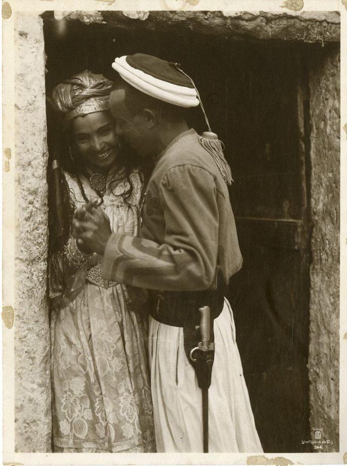 من الجزائر 1900....